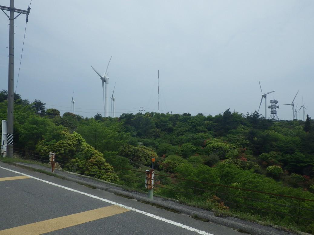 青山高原名物の風力発電